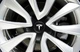 Tesla расследует видео взрыва своего электрокара в Шанхае