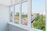 В Петербурге «серийный» жалобщик требует убрать остекление лоджий и балконов в жилых домах