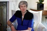 «Поставила рекорд по добровольным отставкам из кабмина». Жители Великобритании — об уходе Мэй с поста премьера