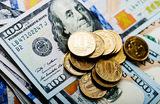 Доллар и евро выросли, рубль снижается к бивалютной корзине