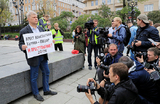 «Полиция действует подчеркнуто корректно, пикетирующие нарочито законно проводят пикеты»