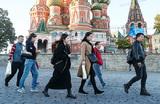 «Дешево и удобно». Китайские туристы тратят в России больше всех