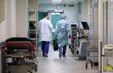 «Дело уже не только в оплате, это может привести к ошибке». В Новгороде врачи объявили об «итальянской» забастовке