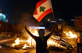 Во время протестов в Ливане против ввода налога на использование WhatsApp погибли два человека