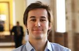 «Устройство может поменять жизнь человека». Как российский стартап помогает людям с нарушениями слуха и зрения
