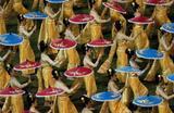 Выступление во время мессы на Национальном стадионе Бангкока в Таиланде, которую проводит Папа Римский, прибывший туда с визитом.