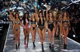 Victoria's Secret отменяет шоу впервые за 25 лет