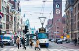 «Амстердам лопается от туристов». Власти города ввели новый налог для контроля турпотока