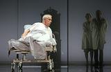 Первая премьера без Галины Волчек. В «Современнике» поставили спектакль «Папа»