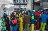 «Большие курорты дороже, но они комфортнее». Где прокатиться на горных лыжах в конце зимы?