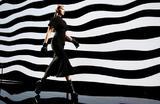 Показ коллекции Versace на Неделе моды в Милане.
