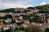 Мэр итальянской Теоры зовет семьи с детьми пожить в городе и обещает за это заплатить