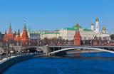 Песков: США с «маниакальным упорством» обвиняют Россию во «вмешательстве»