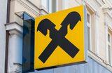 Райффайзенбанк останавливает прием вкладов в долларах. Есть ли альтернатива?