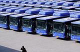 Автобусы в Дели, Индия, во время карантина из-за вспышки коронавируса.