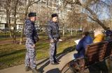 Коронавирусные патрули: как полиция в Москве составляет протоколы на пенсионеров за нарушение карантина?