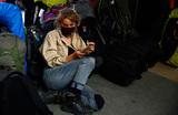 «Где нам жить, никто уже не знает». Самостоятельные туристы из России застряли на Занзибаре