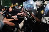 В городах США продолжаются протесты и погромы