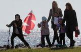 Россиянам начали выплачивать пособия на детей в 10 тысяч рублей