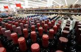 Минпромторг может поддержать повышение возраста продаж алкоголя в России до 21 года