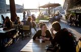 В мэрии сообщили об открытии в Москве 3 тысяч летних кафе. Но дата все еще неизвестна