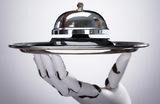 В Москве появился ресторан, где гавайскую закуску поке делает робот-повар