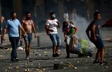«Они кидают камни». В центре Бейрута опять беспорядки