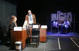 Радиостанция на сцене. Театр на Таганке открыл сезон спектаклем «Белый шум»