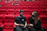 Россияне не спешат в кинотеатры после возобновления их работы?