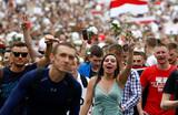 Протесты и забастовки в Белоруссии стали массовыми. Кадры говорят за себя