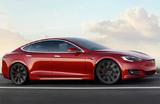 Беспилотная Tesla пыталась уйти от погони