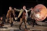 На малой сцене МХТ имени Чехова состоялась премьера спектакля «Ювенильное море» по Платонову