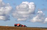 «Формула-1» Гран-при Португалии. ГонщикFerrari Себастьян Феттель во время тренировочного заезда.