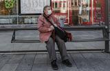 Жители Москвы и Подмосковья рассказывают, что из транспорта высаживают пассажиров старше 65 лет