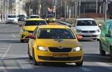 Профсоюз таксистов Москвы просит власти обеспечить водителей масками, перчатками и антисептиками
