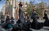 В Севилье прошла акция работниц индустрии фламенко с требованием предоставления субсидий в условиях пандемии коронавируса COVID-19.