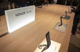 Huawei продаст бренд Honor из-за американских санкций