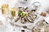 Хрустящий багет и шампанское с устрицами: где позавтракать в Петербурге?