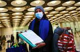 В самолет — только со справкой. Станут ли полеты спокойнее с «проездным здоровья»?