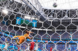 Полузащитник Алексей Миранчук забил первый гол сборной России по футболу на чемпионате Европы во время игры с командой Финляндии. Матч завершился со счетом 1:0 в пользу россиян.