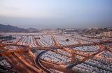 Палаточный лагерь, оборудованный для паломников в священный город Мекку. Саудовская Аравия.