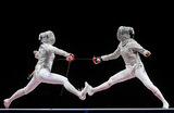 Российская саблистка София Позднякова (справа) завоевала золотую медаль на Олимпиаде-2020 в Токио. В финале турнира она сражалась с соотечественницей Софьей Великой (серебряная медаль), победив ее со счетом 15:11.