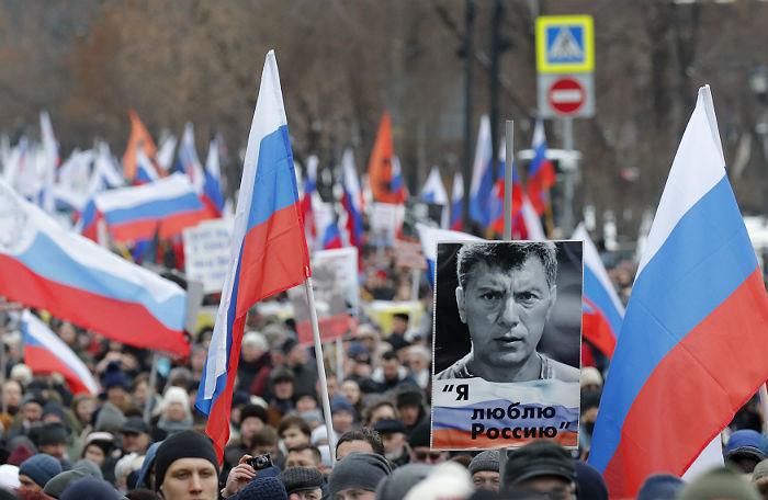 https://cdn.bfm.ru/page/default/2019/02/24/2019-02-24t122129z_202260540_up1ef2o0ybsu3_rtrmadp_3_russia-nemtsov.jpg